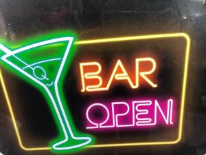 Barmedewerkers gezocht!